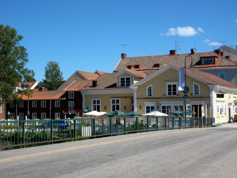 Restaurang Sundsgården & Café Garvaregården